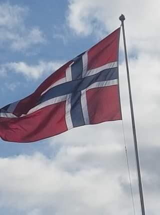 I dag heiser vi flagget for stortings- og sametingsvalet!